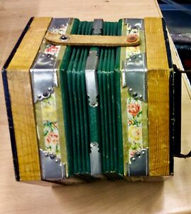 Concertina Squeeze Box