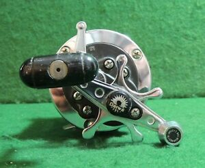 DAIWA SEALINE 27H FISHING REEL **NICE WORKING SHAPE**