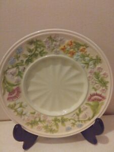 "Porcelain YANKEE CANDLE HOLDER PLATE Spring/Summer Raised Flowers 7 1/2"" wide"