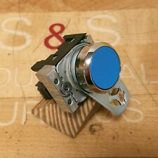 Siemens 3SU1150-0AB50-1FA0 Momentary Blue Non-Illuminated Pushbutton 1 NO - USED