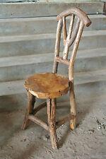 Handgearbeitete massive Stühle