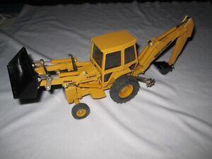 ERTL Ford 555A Backhoe Bucket Loader Tractor 1:32