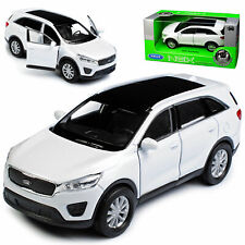 KIA SORENTO 12 cm Opening Doors Pull Back & Go Metal Diecast Toy Car White