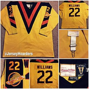VTG AUTHENTIC TIGER WILLIAMS CANUCKS 1982-1983 MITCHELL & NESS JERSEY 60 SEWN!