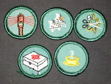 5 diff Girl Scout proficiency badges, older        gs13