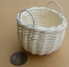 1:12 Scale Hand Made Large Wicker Basket Dolls House Miniature Accessory Axl