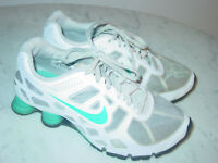 2012 Nike Shox Turbo White/Turquoise Youth Running Shoes! Size 6Y $120.00