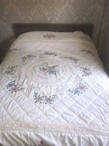 Vintage Lace & Patchwork Quilt Bedspread Blanket Floral Scallop King Size