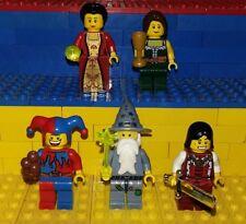 5 Lego Castle Figuren mit Zubehör. Kingdom Minifig Zauberer Prinz Jester Knights