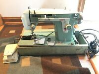 NEW HOME SEWING MACHINE Model #532 heavy duty JANOME Runs, Needs Serviced