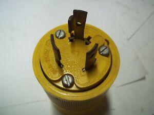 G&E    20 AMP  250 VOLT   TWIST  LOCK  PLUG