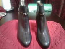 Micheal kors Black Pair of Leather  Ankle Boot Size 6M