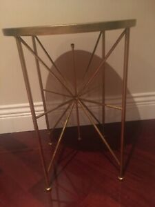 BRAND NEW MODERN CONTEMPORARY  GOLD/BLACK ROUND ACCENT TABLE