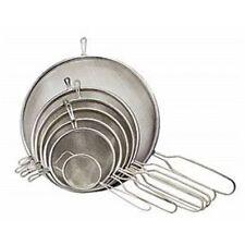 Scolapasta, colini e setacci da cucina in argento