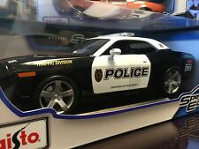 Maisto 1:18 Scale Special Edition Diecast Model - 2006 Dodge Challenger Police