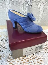 1999 Raine Just the Right Shoe Class Act Box 25042 - Dress Shoe Heels