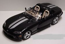 1:18  Bburago 1993 Black and Silver Dodge Viper RT/10 Item 3365