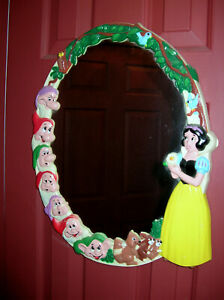 VINTAGE DISNEY SNOW WHITE AND THE SEVEN DWARFS MIRROR