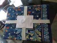 Williams Sonoma Berry meadow  table runner 18 X 108 blue    New