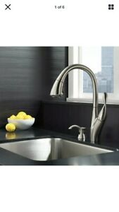 New-Delta Berkley Kitchen Faucet Single Handle w/ Soap Dispenser Stainless Steel