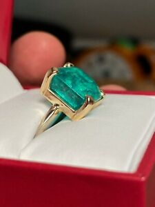 Vintage 11.27ct Colombian Emerald Ring Size 6 in 18k Solid Yellow Gold Estate