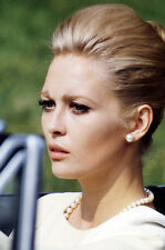 Faye Dunaway in convertible sports car The Thomas Crown Affair 11x17 Mini Poster