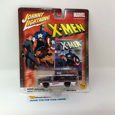 #13  Crown Victoria X-MEN * Johnny Lightning Marvel * T16