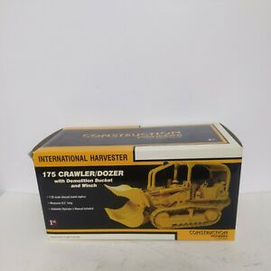 1/25 1st Gear International Harvester 175 Crawler/Dozer W Demo Bucket And Winch
