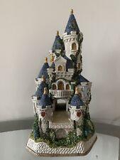 David Winter Guinevere's Castle Ltd Ed 1789/2200 With Box Receipt Perfect