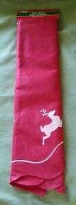 "Christmas House Red Felt Tree Skirt with White Reindeer - 41"" ***NEW***."