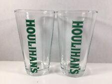 2 Houlihan's Green Print Pint Beer Glasses Tumblers