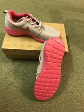 Nike Roshe Run Size 5.5