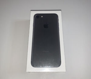 Apple iPHONE 7 32GB FAMILY MOBILE Black