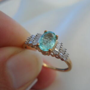 1.00ct Colombian Emerald & Baguette Diamond Gold Engagement Ring