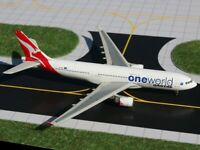"RARE Gemini Jets 1:400 Qantas A330-200 ""OneWorld"" VH-EBL"