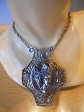 Vintage 1970s Art Deco Baroque Woman Lady Girl Silver Metal Necklace Retro Chain