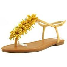 Sandalias y chanclas de mujer de color principal amarillo de piel