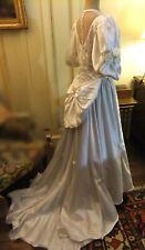 Robe de mariée Vintage en satin bicolore - linge ancien vintage