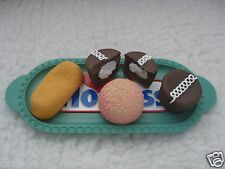 REALISTIC FAKE FAUX  PLAY FOOD PROP RUBBER HOSTESS SNOWBALL TWINKIE CUPCAKE TRAY