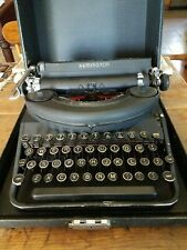 Vintage 40's REMINGTON DELUXE NOISELESS PORTABLE TYPEWRITER  ORIGINAL CASE works
