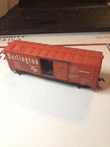 """HO Scale """"Burlington DF Route"""" CB&Q 19720 40' Freight Train Box Car !"""