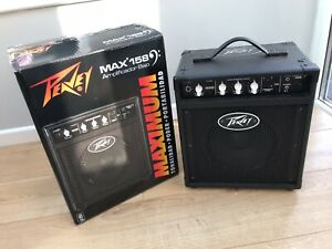 Peavey Max 158 bass amp, hardly used, immaculate condition, built in tuner.