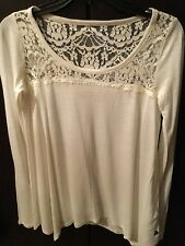 HOLLISTER, A lovely New Ladies White Loose Top, size XS ( UK Approx 8/10)