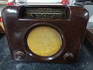 Vintage/retro 1950s Bush DAC90A restored bakelite vintage valve radio