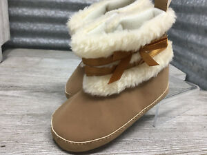 Moccasin Boots Faux Fur Gold Ribbon Embellish Paw Print Sole Size 6-12 Month