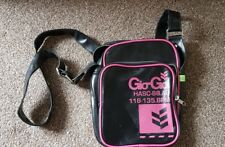 Gio Goi small messenger bag in black and pink