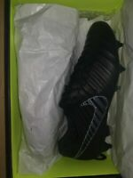 Nike Legend 7 Elite Tiempo Football Boots. Black SG Pro Anti Clog AC UK Size 9