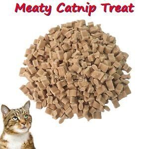 HEART OR FISH SHAPED  MEATY CATNIP CAT TREAT  150 g