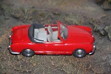 Wiking 1:40 alter Karmann Ghia Cabrio in rot im neuwertigem Zustand