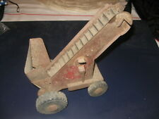 Wyn-Toy Conveyor Red - all wheels and Rubber working and moveable as is